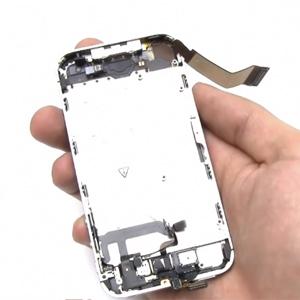 Разобранный iphone 4s без аккумулятора и задней крышки
