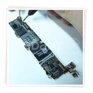 Осуществим ремонт материнской платы айфон 5c качественно и оперативно